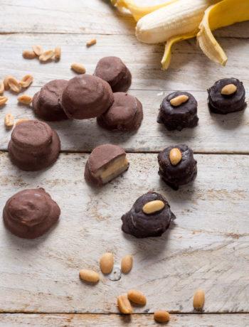 cokoladni-zalogaji-od-banane-i-kikirikija